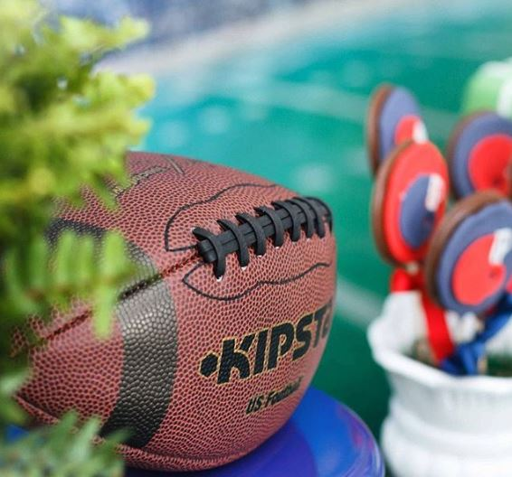 Festa futbol Americano | Mesa de dulces tematica football | Super Bowl party ideas by The Party Project