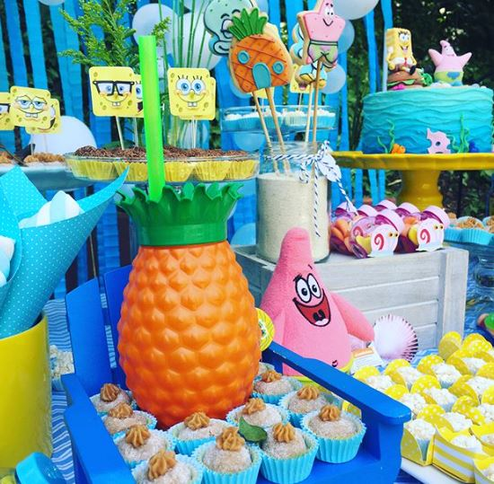 Sponge Bob Dessert table- party foods-Cupcakes Sponge Bob-treats Sponge Bob-Sponge Bob candy bar-Birthday party -by the party project.us