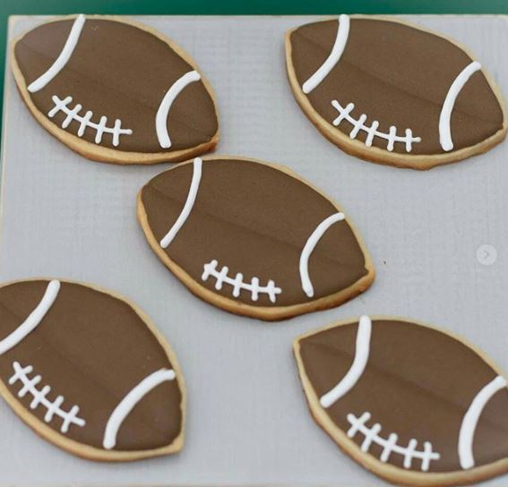 Superbowl cookies | Football cookies | Football themed birthday party ideas!