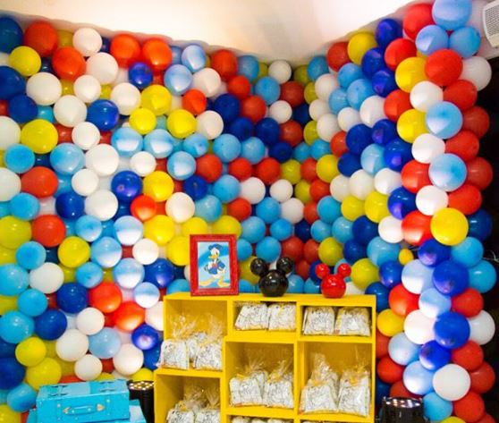 Balloons decoration-Donald Duck Birthday- Party inspirations-Donald Duck party bags-Disney birthday-www.thepartyproject.us