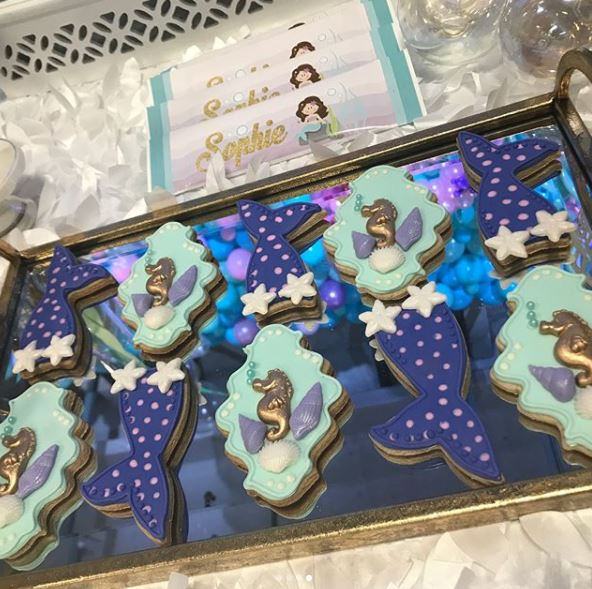Mermaid birthday- Mermaid cookies- Mermaid party decorations- Little Mermaid baby shower-Festa fondo do mar- Under the sea themed party- Mermaid party foods-www.thepartyproject.us