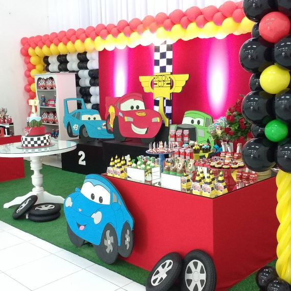 THE PARTY PROJECT | Cars dessert table