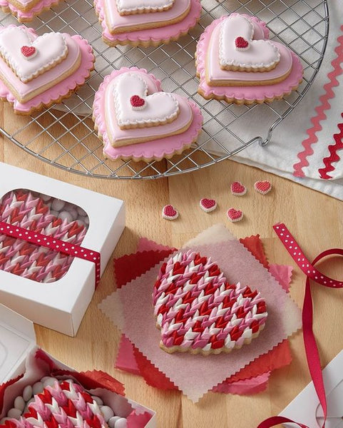 Wilton Valentines Day Cookies | The Party Project Blog.