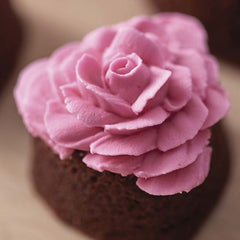 Wilton Rose Brownies tutorial | Valentines Day gifts ideas - The Party Project Blog.
