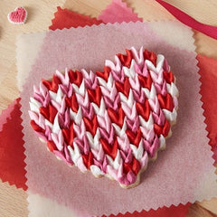 Valentines day gifts | Scalloped heart shaped cookie tutorial.