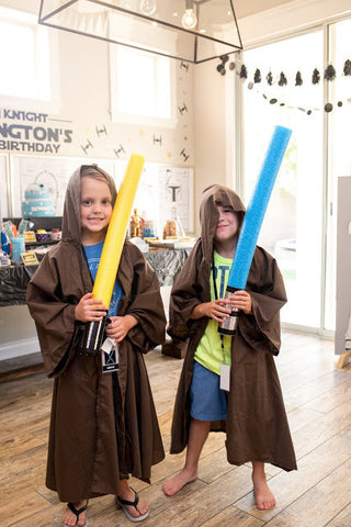Star Wars birthday costumes - Party ideas for kids.