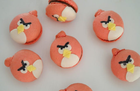Red - Angry Birds party - Food ideas - Macarons