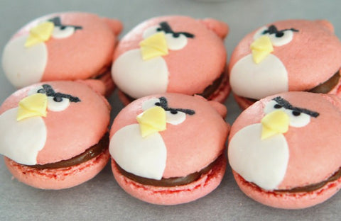 Red - Angry Birds macarons