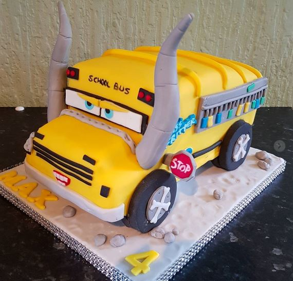 The Party Project | Cars 3 cake ideas - Miss fritter