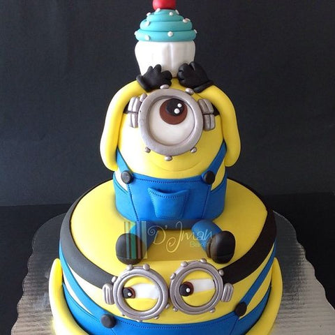 THE PARTY PROJECT | Blog - Minions party ideas Minions cake idea
