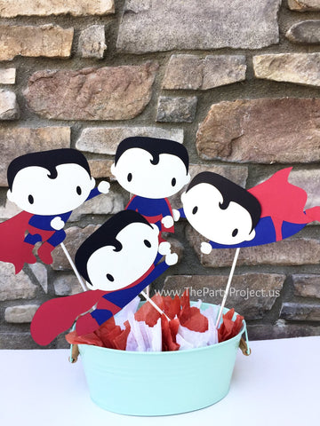 Superman Centerpiece | Comics book superheroes birthday party décor.