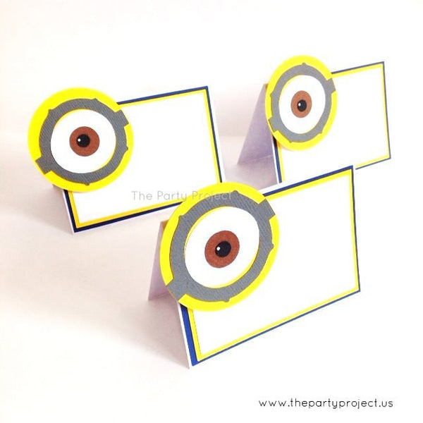 12 Minions place cards | Despicable me food tents.