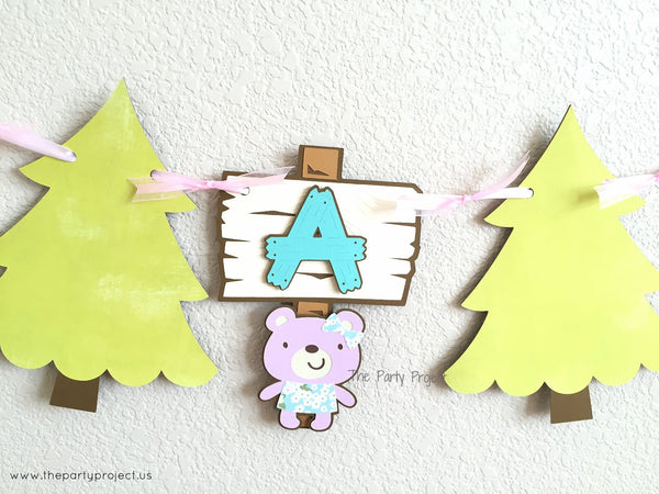 "Woodland creatures ""It's a girl"" banner 