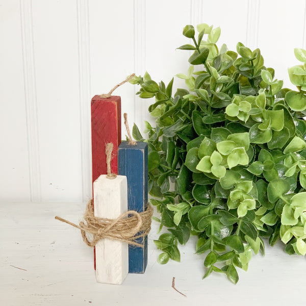 Teeny Firecrackers - Patriotic Decor