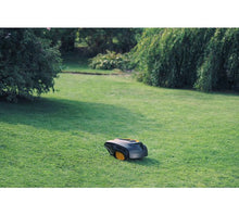 McCulloch (Rob) R1000 Robotic Lawnmower - In The Garden