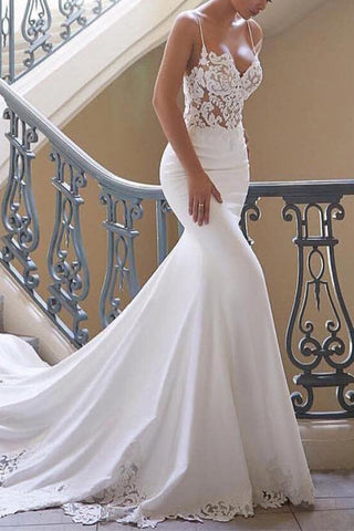 Elegant White Mermaid Lace V-neck Spaghetti Straps Wedding Dress