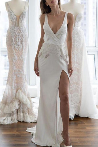 products/2268_Sexy_White_Deep_V-neck_Open_Back_Applique_Slit_Wedding_Dress_1_495.jpg