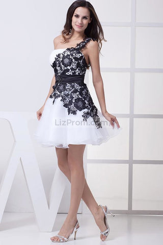 products/Short-White-And-Black-One-Shoulder-Party-Homecoming-Dress---_2_232.jpg