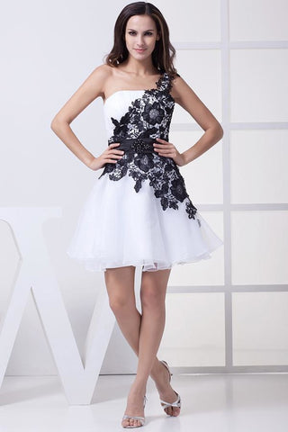 products/Short-White-And-Black-One-Shoulder-Party-Homecoming-Dress_863.jpg