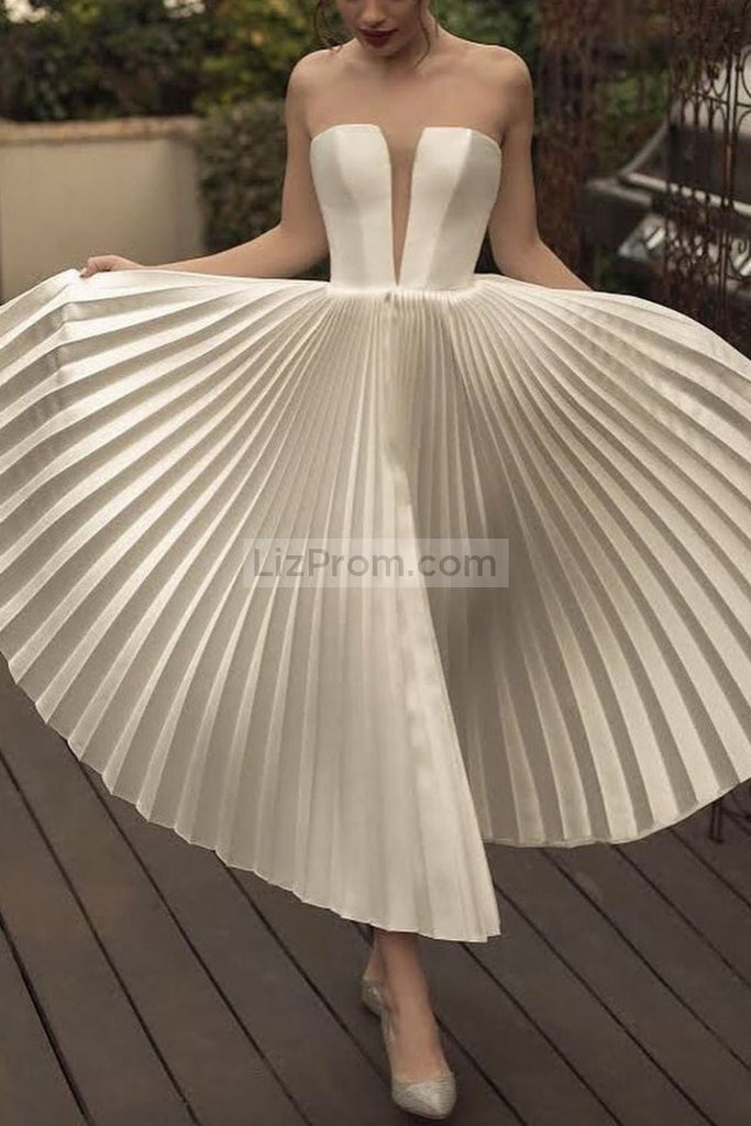 White Deep V-Neck Pleated Sleeveless Strapless Princess Dress Dresses