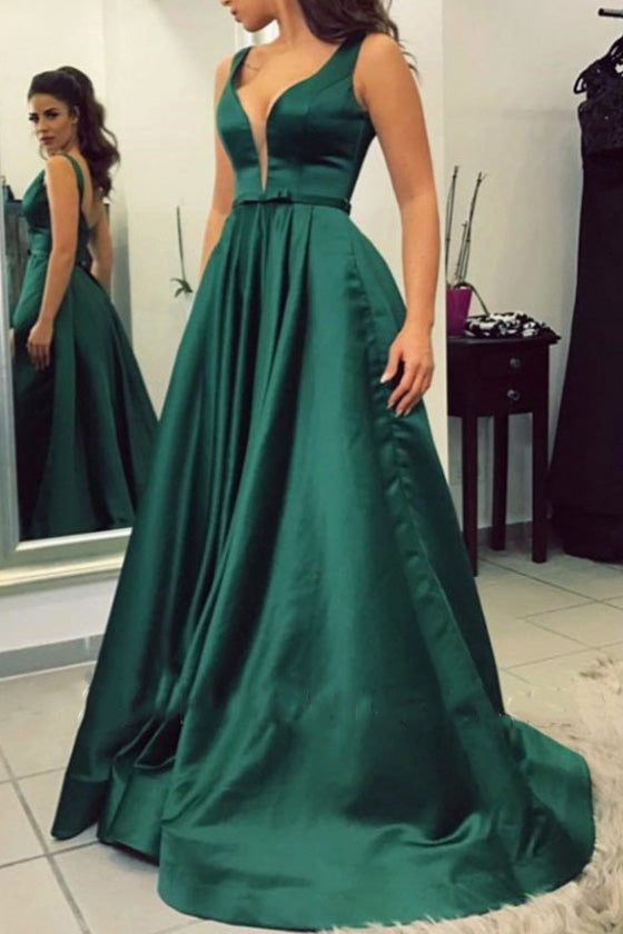 A-Line Dark Green Low V-neck Formal Dress