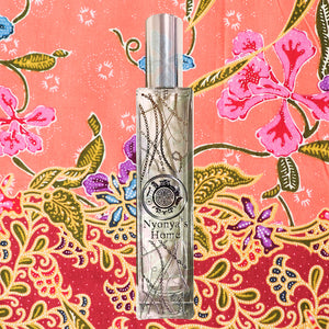 gift for Nyonya perfume peranakan singapore room scent fragrance diffuser