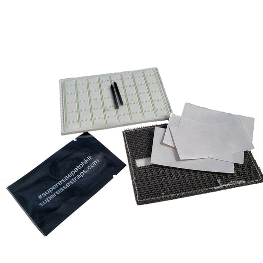 Note Patch Kit: Writable PVC surface for field notetaking with illuminated memo graph.