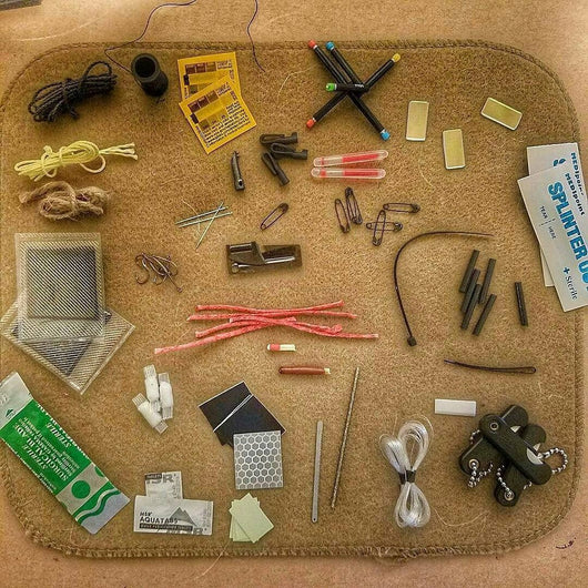 Kit Accessories - add on items that attach to a paracord strap or fit in a patch.