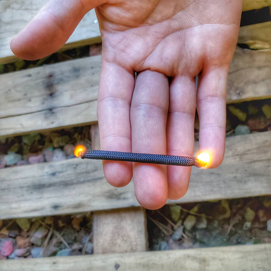 ParaRod - Paracord Sheathed Ferrocerium Firestarter Rod and Tinder Wick
