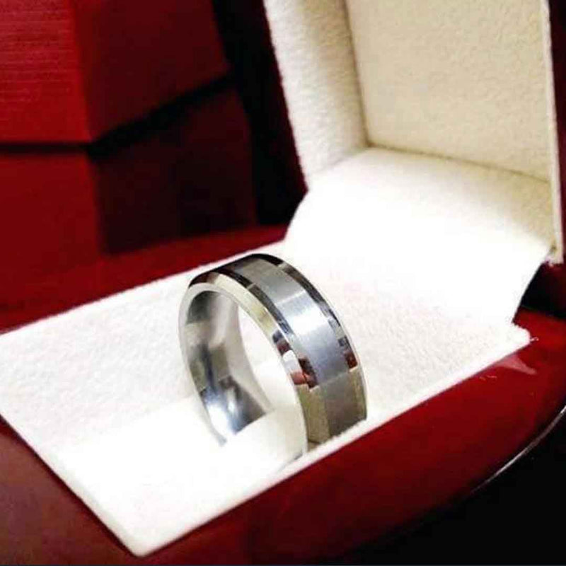 Mensdoor wedding ring in dubai