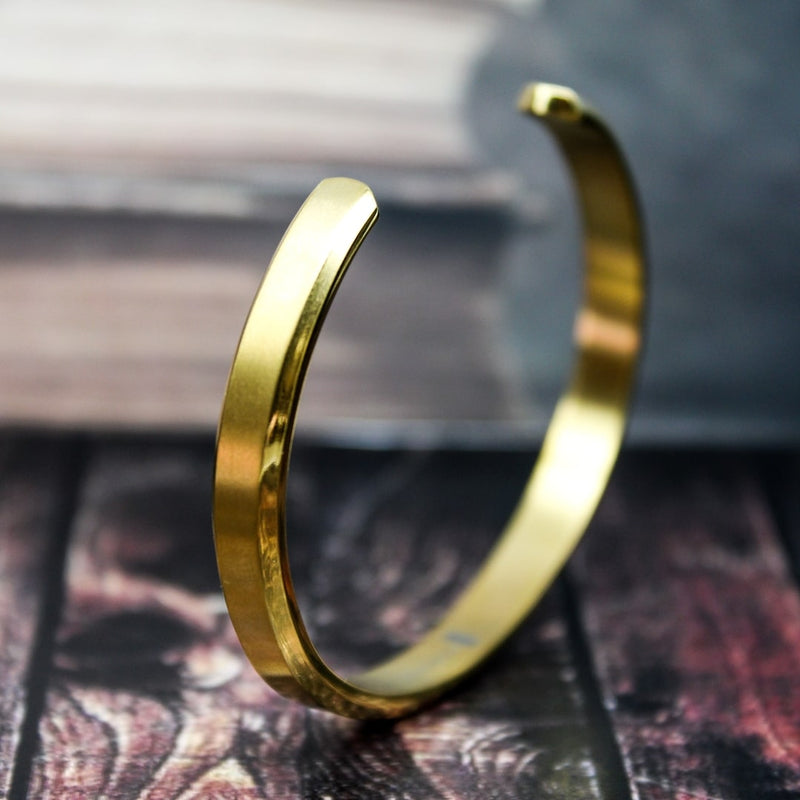 Luxurious Narrow Cuff Bracelet -Gold