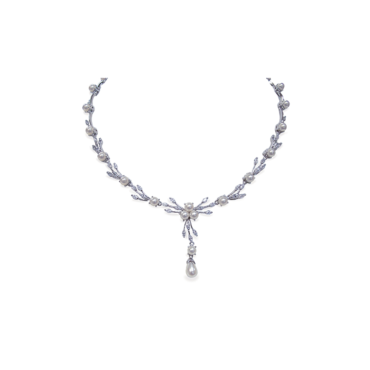 Belgravia pearl and crystal bridal necklace