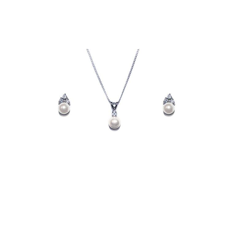 Classic Pearl necklace and earring set