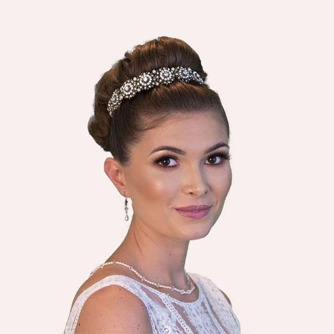 Hargreave wedding headband by Miranda Templeton at lily houston design model image