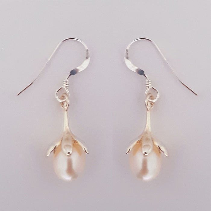 Laragh pearl drop flower earrings