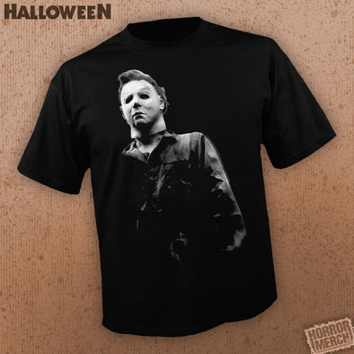 Halloween - Standing [Guys Shirt]