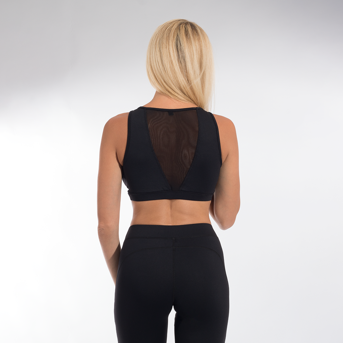 Versa Forma | Exclusive Crop Bra - Black
