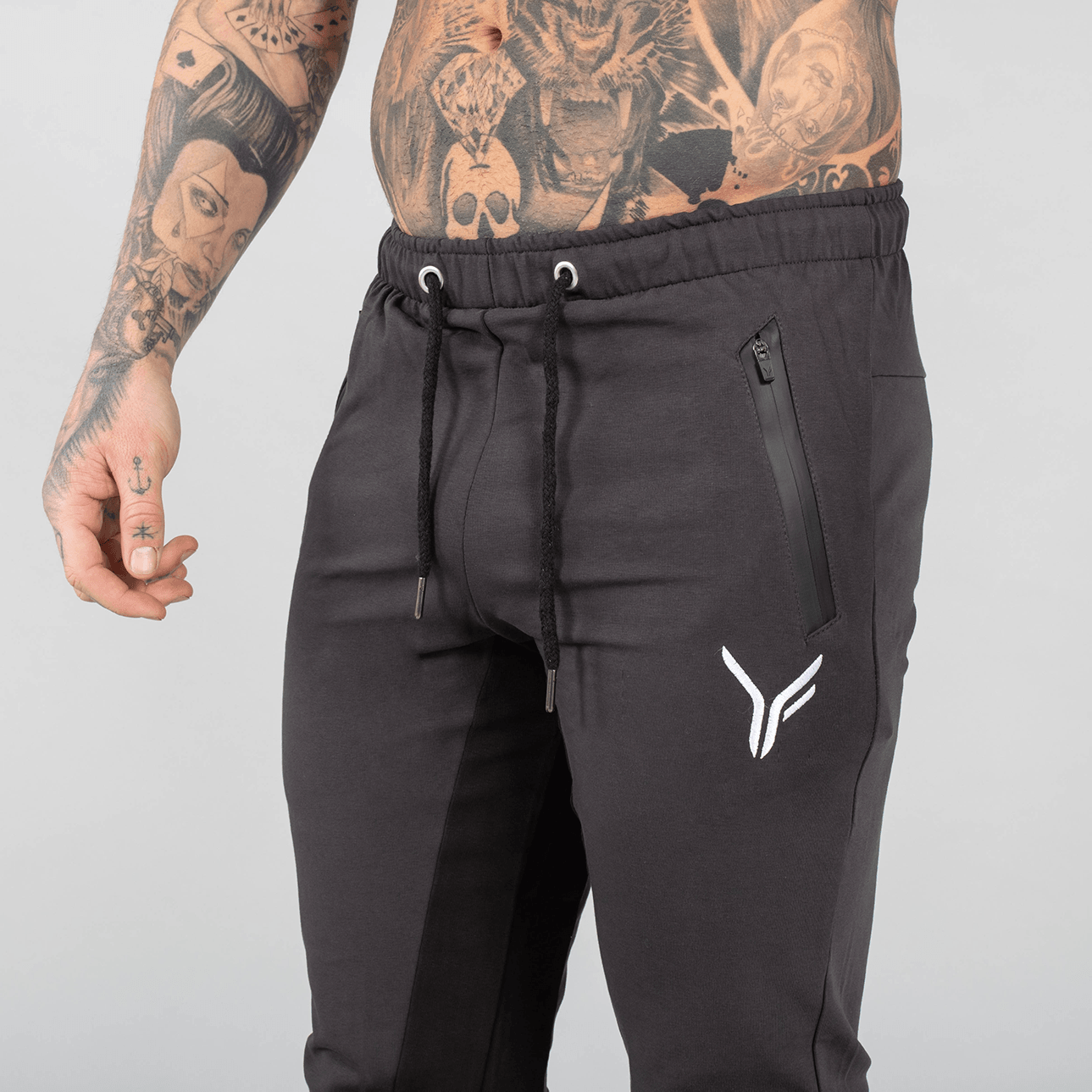Versa Forma | Chale Track Jogger - Charcoal/Black