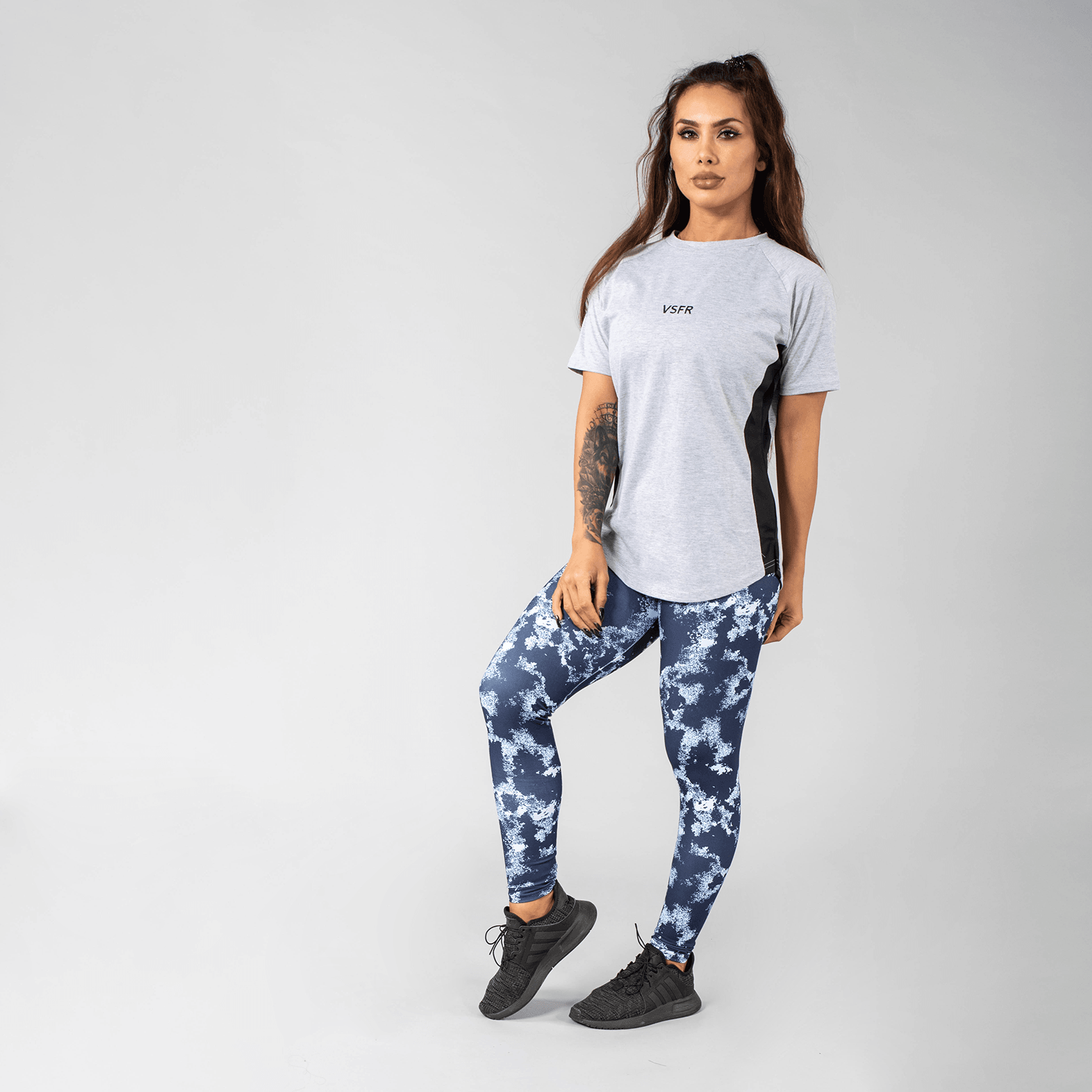 Versa Forma | Femme Booksar Vented Tee - Light Grey