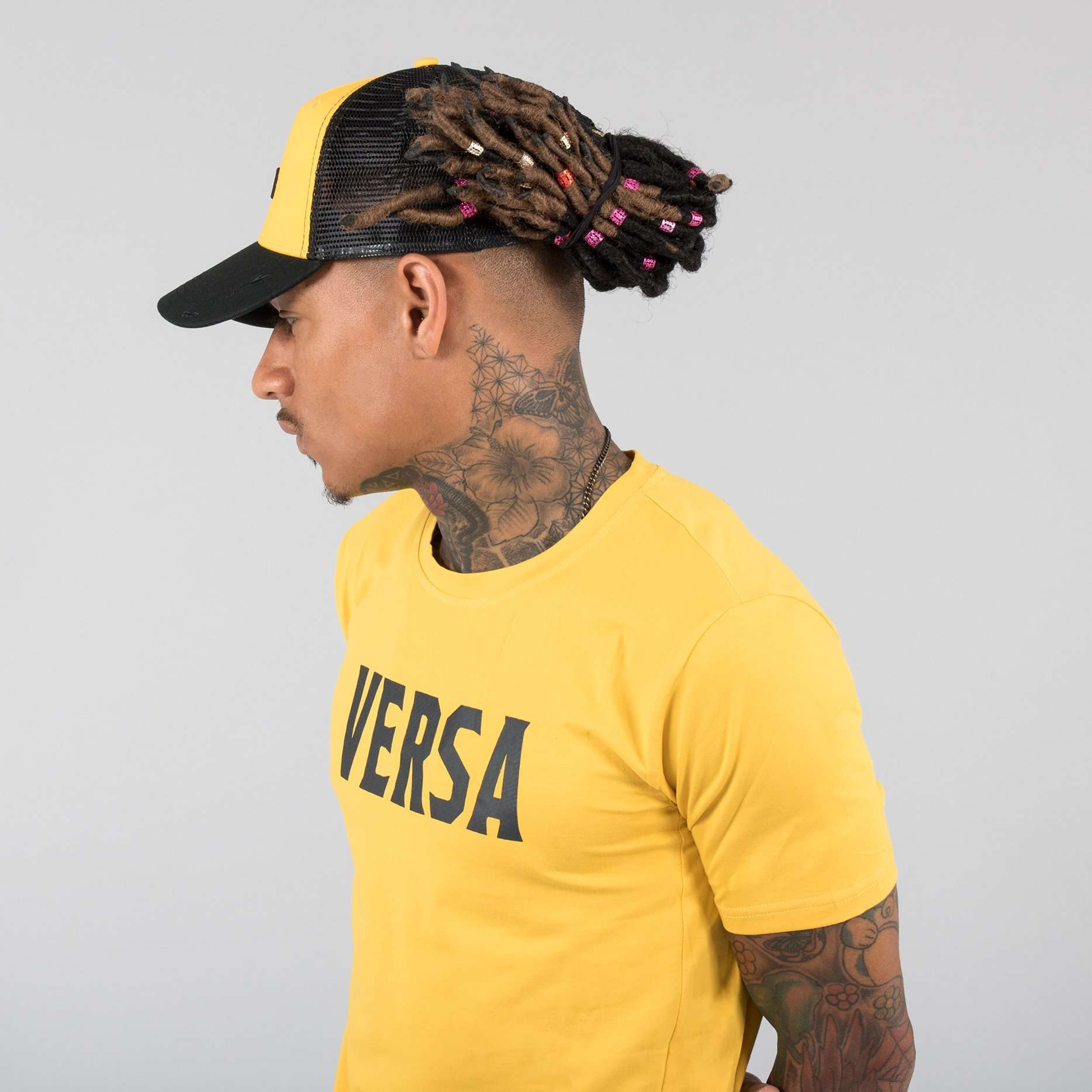 Versa Forma | Motif Trucker Cap - Black/Yellow