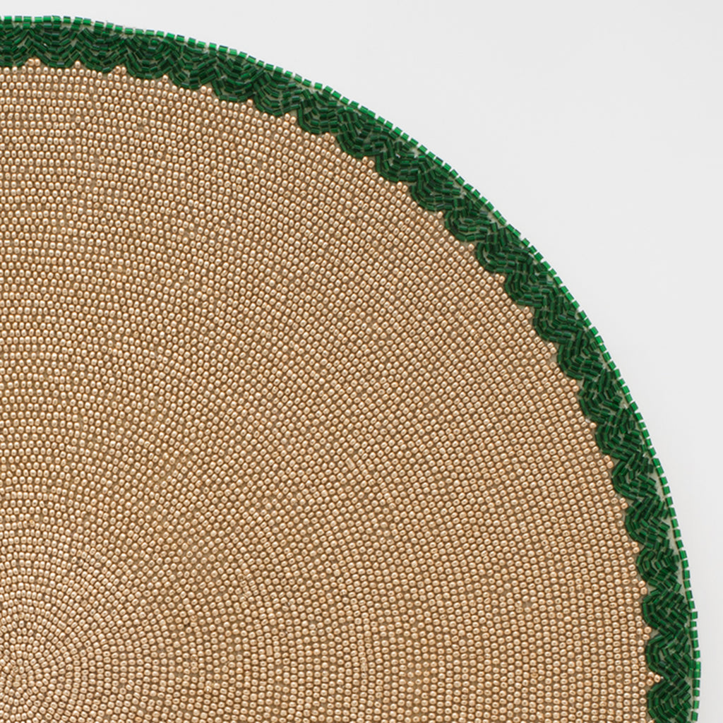 Scalloped edge placemat