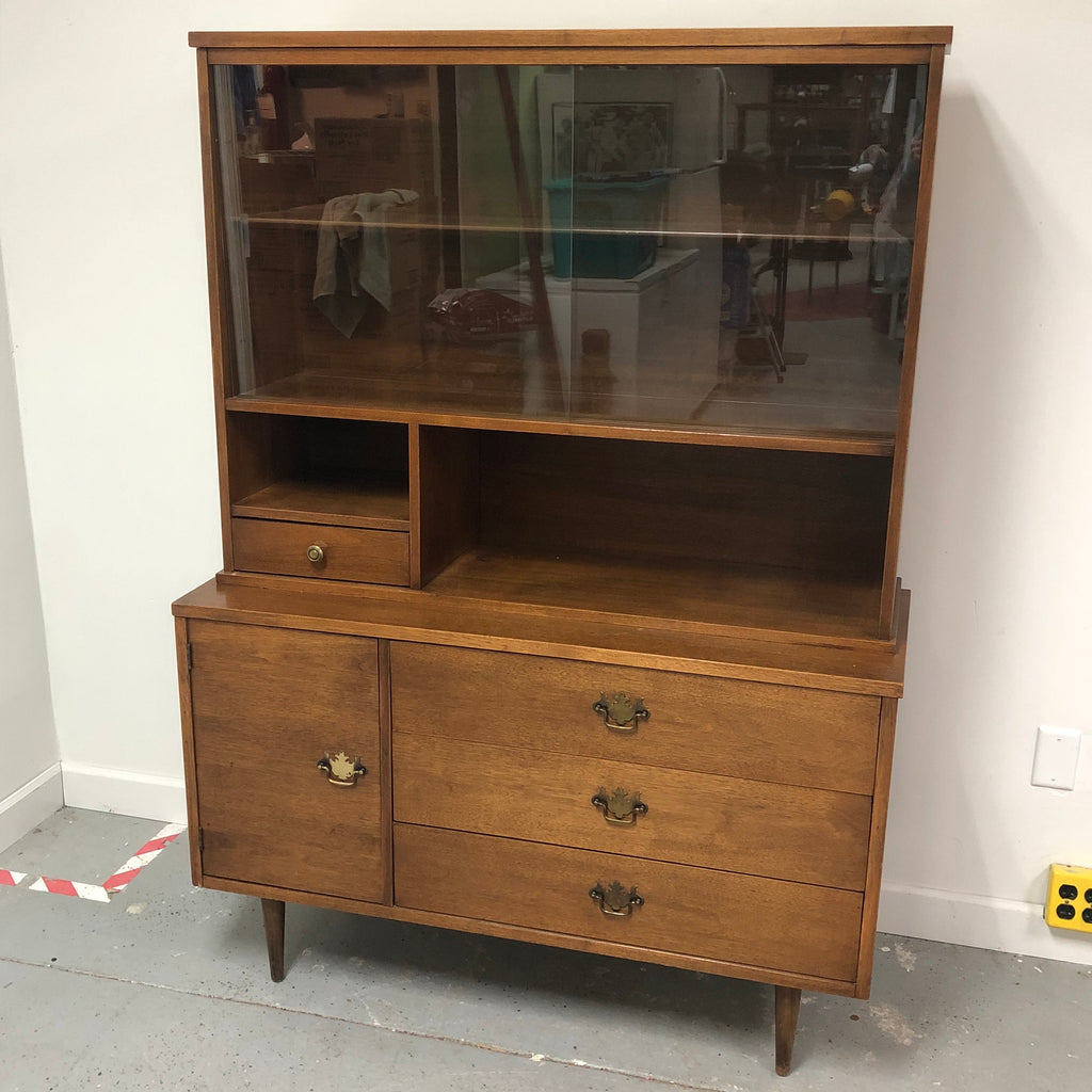 Bassett Walnut Display Hutch Showcase Buffet