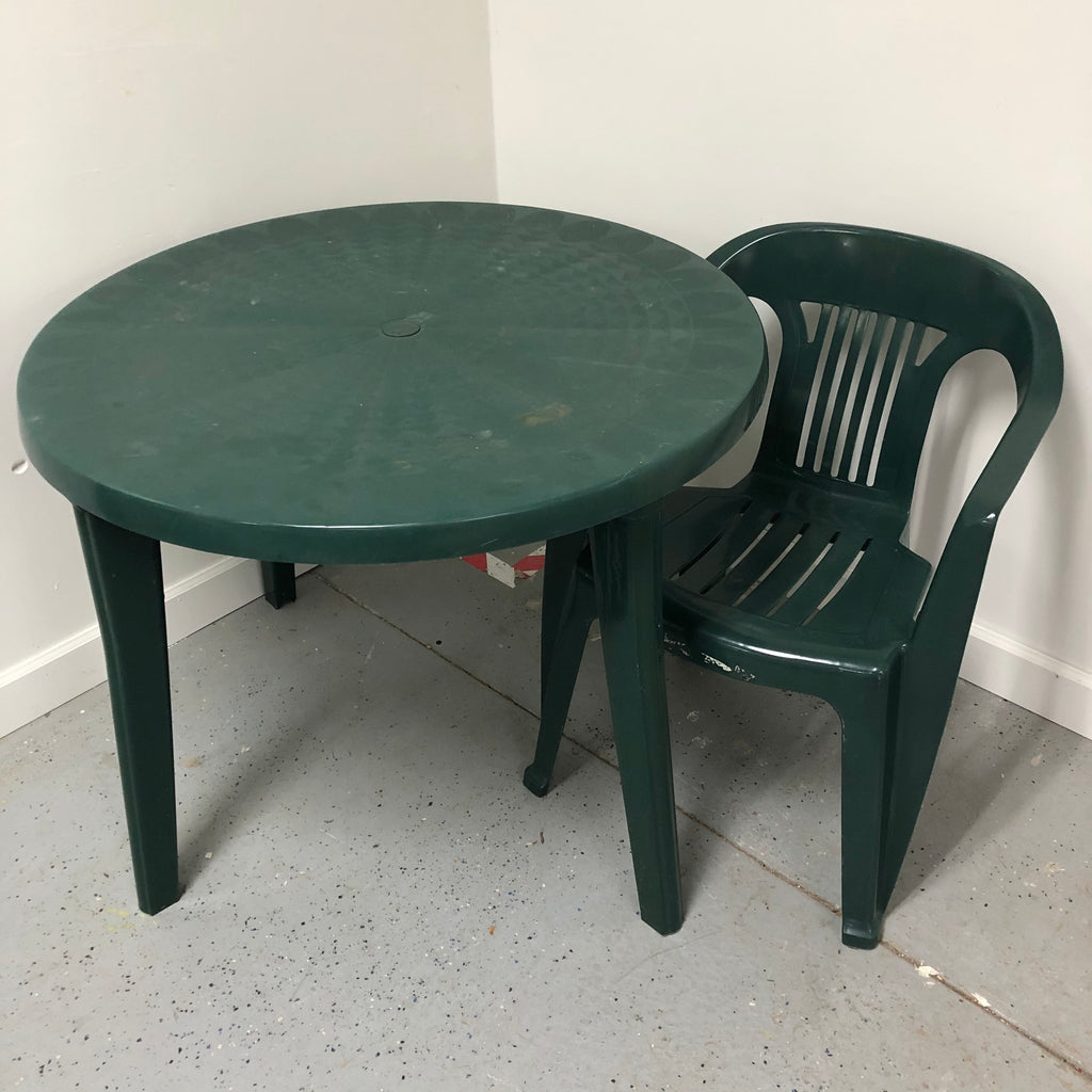 "Green Outdoor Patio 37"" Round Table & Chair"