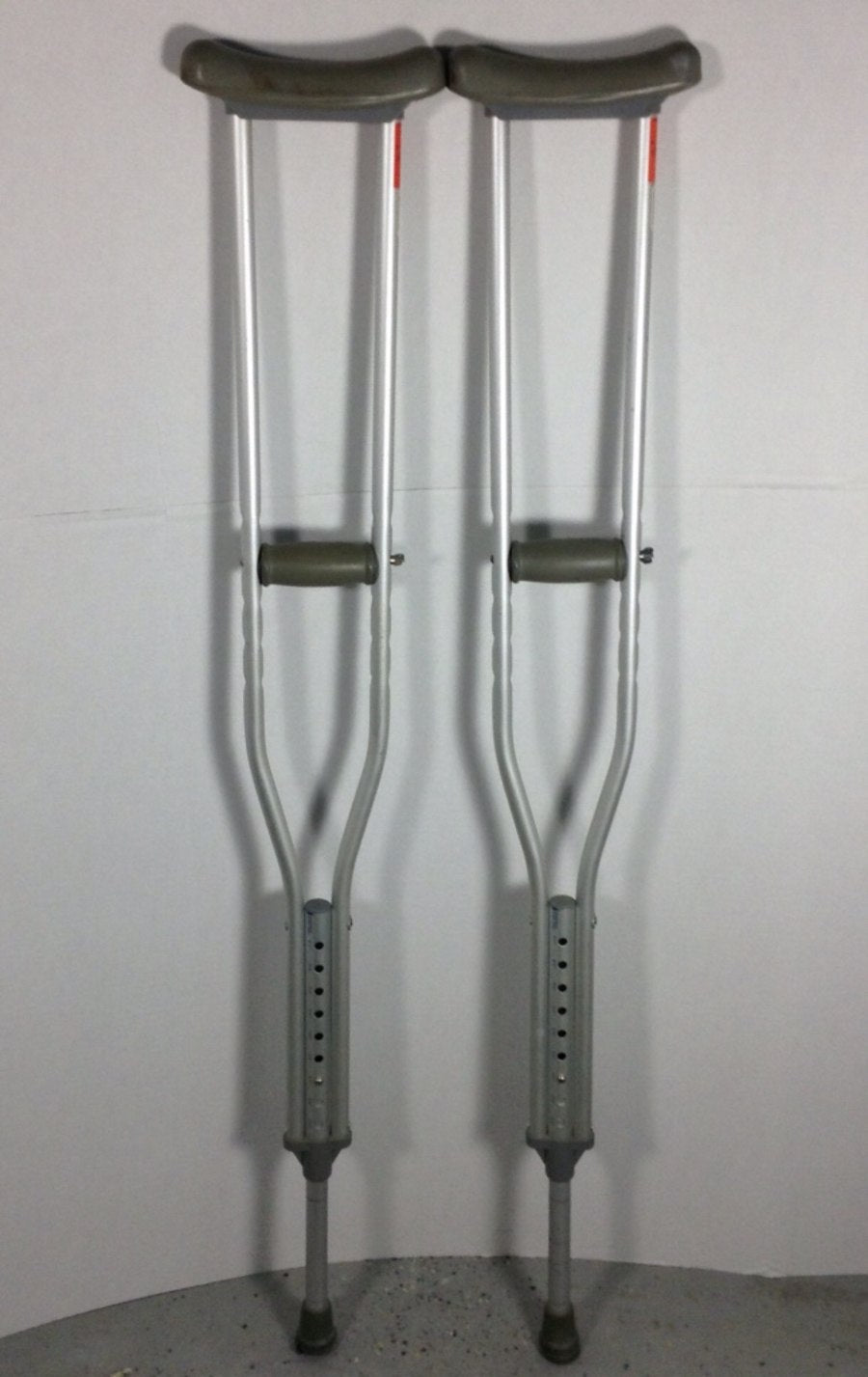 Guardian Quik-Fit Aluminum Adjustable Crutches