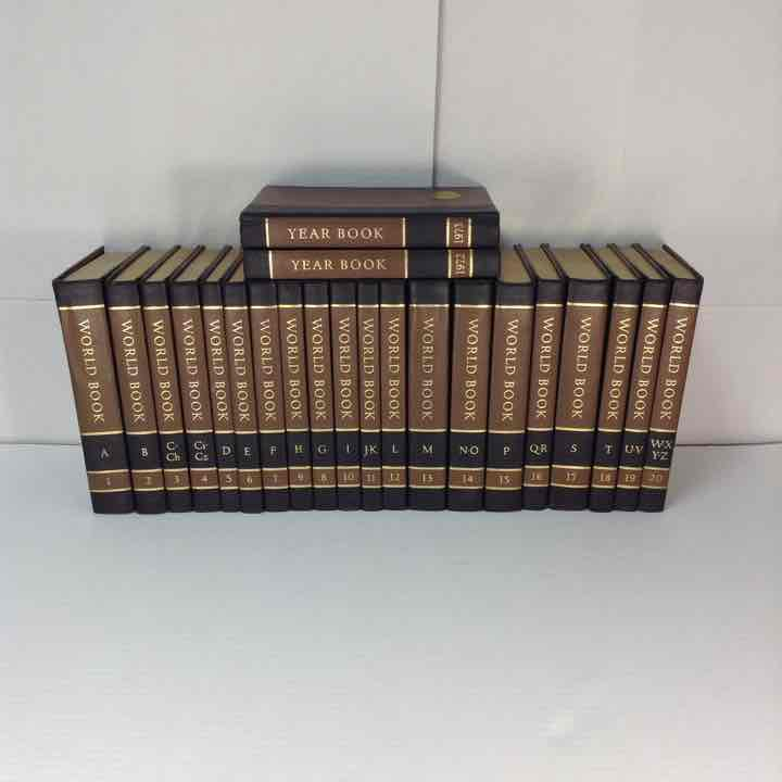 The World Book Encyclopedia 1971 Set 1-20 & 1972-73 Year Book