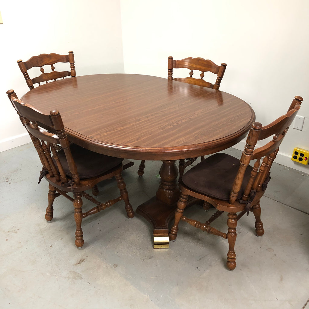 Cochrane Oak 4 Chair 2 Leaf Round Dining Room Table Dinette Set