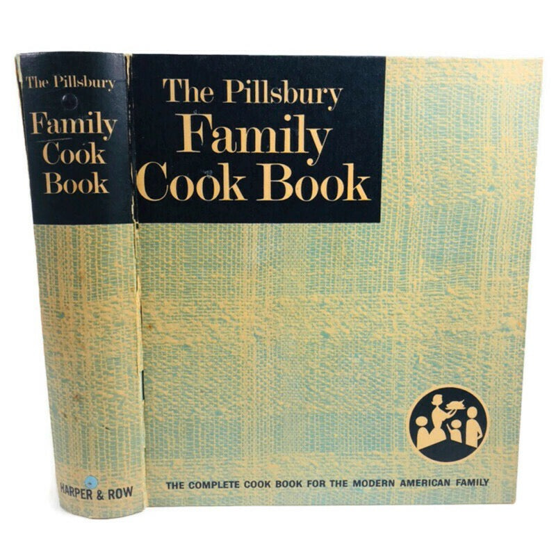 The Pillsbury Family 1963 Harper & Row 5 Ring Binder Cook Book