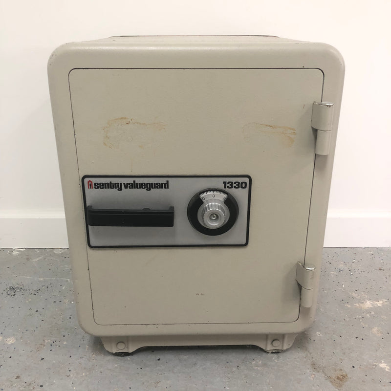Sentry Valueguard 1330 Fireproof Combination Safe