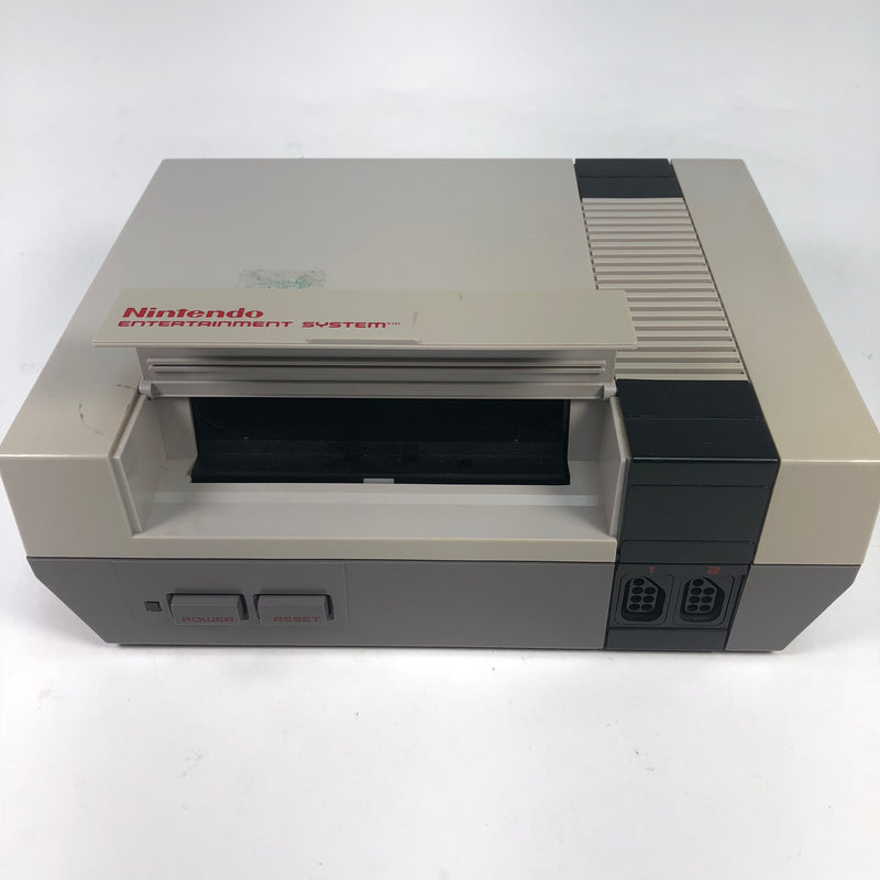 Nintendo NES Console For System Parts Or Repair Turns On AS IS