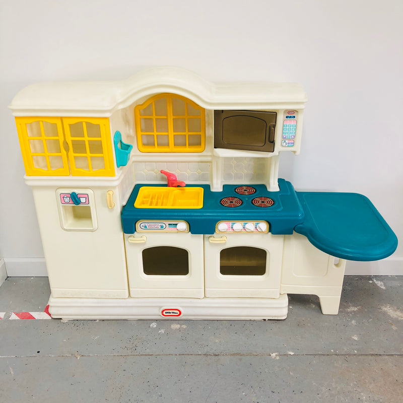 Little Tikes Country Childrens Kitchen Play Set